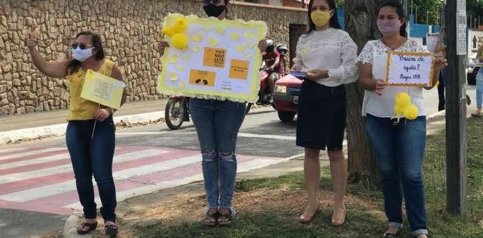 """Prefeitura de Arapiraca leva """"Campanha Setembro Amarelo"""" a espaços públicos."""
